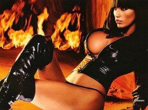 hellowen party girls -feuer-und-flamme-girl